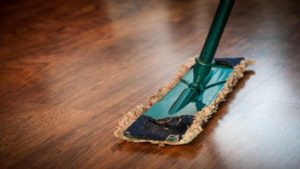 Servicios de limpieza de suelos y pavimentos